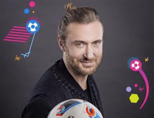 """Europei 2016, prima della partita """"Seven nation army"""" e """"This one's for you"""" con David Guetta e Zara Larsson"""