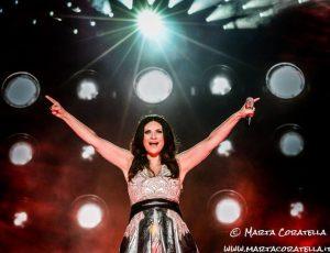 Laura Pausini: svelate la data d'uscita e la tracklist dell'album natalizio