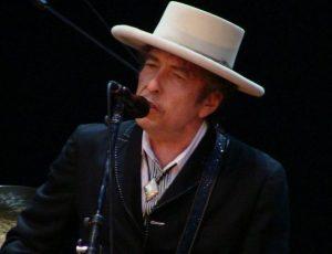 Bob Dylan snobba l'evento della Casa Bianca per celebrare i vincitori del Nobel