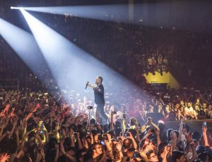 Concerti, Ligabue: aggiunta al 'Made in Italy Palasport 2017' una data benefica a Reggio Emilia