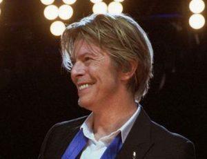 David Bowie: i francobolli che caddero sulla Terra, una curiosa iniziativa