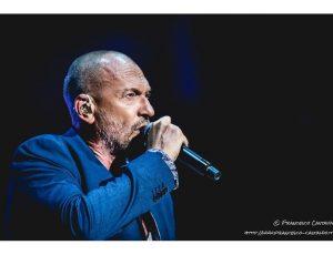 Biagio Antonacci: una coppia viene truffata usando il suo nome e lui la invita a un concerto