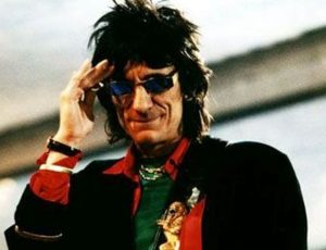 Rimosso un nodulo ai polmoni a Ron Wood, il chitarrista dei Rolling Stones sta bene