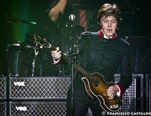"Paul McCartney suona la batteria nel nuovo disco dei Foo Fighters ""Concrete and gold"