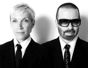 Eurythmics, otto album del duo tornano nei negozi in vinile: arrivano subito 'In the garden', 'Sweet dreams' e 'Touch'