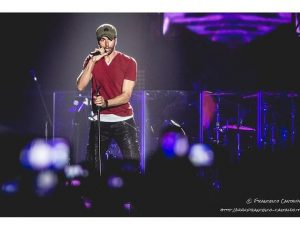 Enrique Iglesias, nuovo album entro il 2020: duetti con Ramazzotti e suo padre Julio?