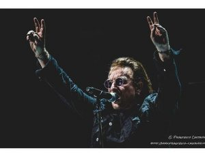 U2, in concerto a Tokyo: annunciano 'U2XRadio'