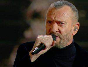 Biagio Antonacci: le date al Teatro Carcano di Milano sono rinviate al 2021