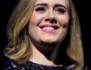 Adele ha appena annunciato ufficialmente il suo ritorno sulle scene