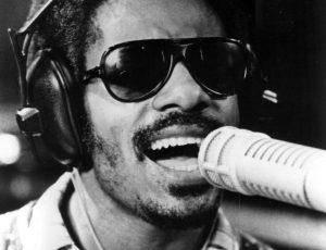 Una nuova etichetta e due canzoni per Stevie Wonder