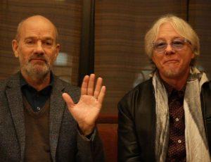 Michael Stipe, Bono, Pharrell: canzoni per un gatto morto